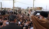 رہبر انقلاب آیت اللہ خامنہ ای نے آج ۲۰/۱۱/۲۰۱۷ء کو صوبہ کرمانشاہ میں زلزلے سے متاثرہ علاقوں کا دورہ کیا