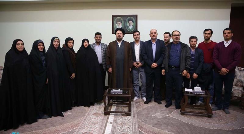 """شہداء کےکچھ بیٹے """"فرزندان شہید حضانتی"""" کے نام سے، یادگار امام، سید حسن خمینی سے ملاقات"""