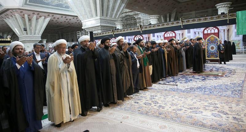 حرم امام خمینی (رح) میں امام زین العابدین (ع) کی شہادت کی مناسبت سے منعقدہ مجلس کی تصویری جھلکیاں