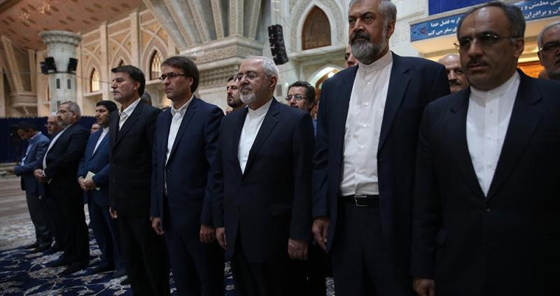 ایرانی وزیر خارجہ، دفترخارجہ کے حکام اور بیرون ملک ایرانی سفیروں کی حرم امام خمینی (رح) میں حاضری اور ان کی تمناؤں سے تجدید عہد/ 2018