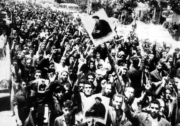 امام خمینی کے انقلاب کا نقطہ عروج / ۲