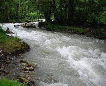 جاری اور چشمہ کے پانی کا نجاست لگنے پر کیا حکم ہے؟