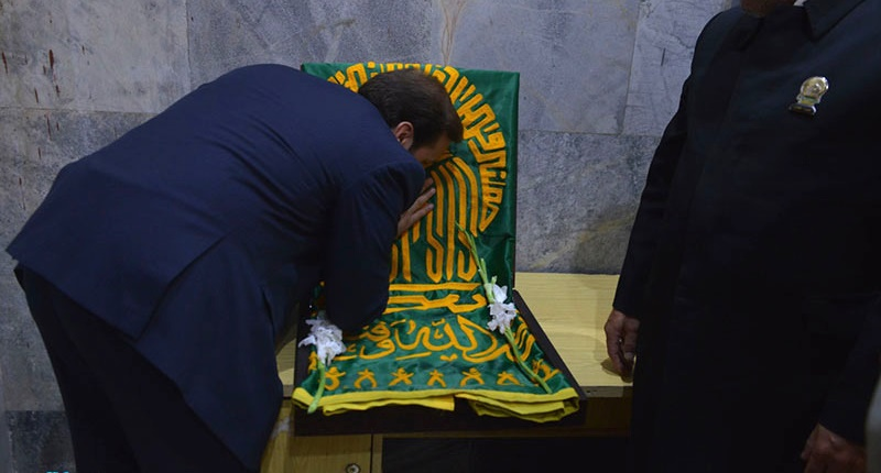 """کاروان """"زیر سایہ خورشید"""" کی حرم امام خمینی (رح) میں حاضری اور ان کی تمناؤں سے تجدید عہد /2018"""