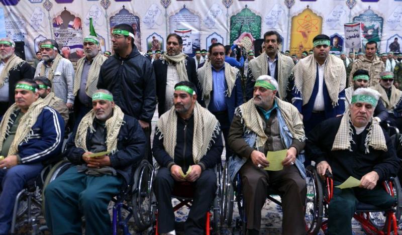 رضاکارانہ فوج کے کمانڈر اور بسیجیان کی حرم امام خمینی (رح) میں حاضری اور ان کی تمناؤں سے تجدید عہد /2018