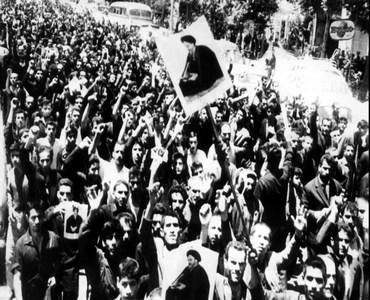 انقلاب اور امام خمینی (رح) کا کردار