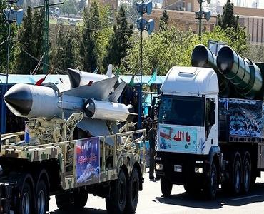 ایرانی آرمی نے تازہ ترین دفاعی کامیابیوں کو نمائش کیلئے پیش کیا