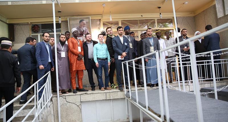 جماران؛ امام خمینی (رح) کے تاریخی گھر سے بین الاقوامی قرآن کریم کی مقابلہ میں شریک قاریوں کا دورہ