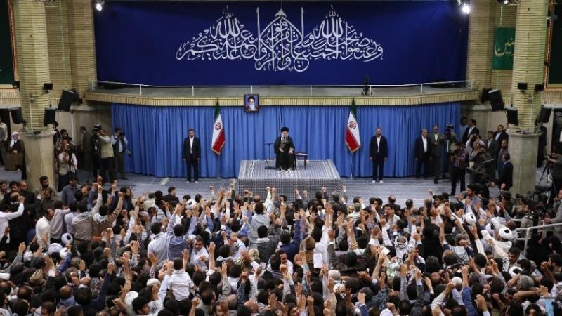 امریکہ کے ساتھ مذاکرات کے لیے امام خمینی(رح) نے بھی منع کیا تھا اور میں بھی منع کرتا ہوں