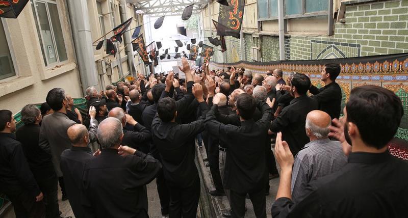 حسینیہ جماران میں عاشور کے دن کی عزاداری