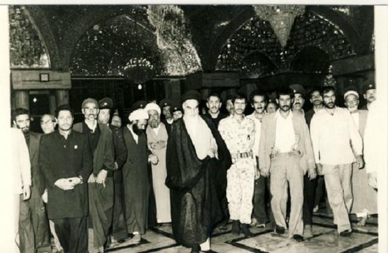 سب سے پہلے امام رضا ع کی زیارت کریں