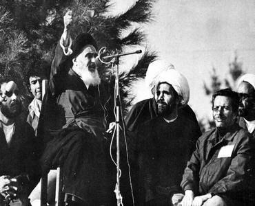 امام خمینی (رح) نے کس عقیدہ اور بنیاد پر قیام کا آغاز کیا