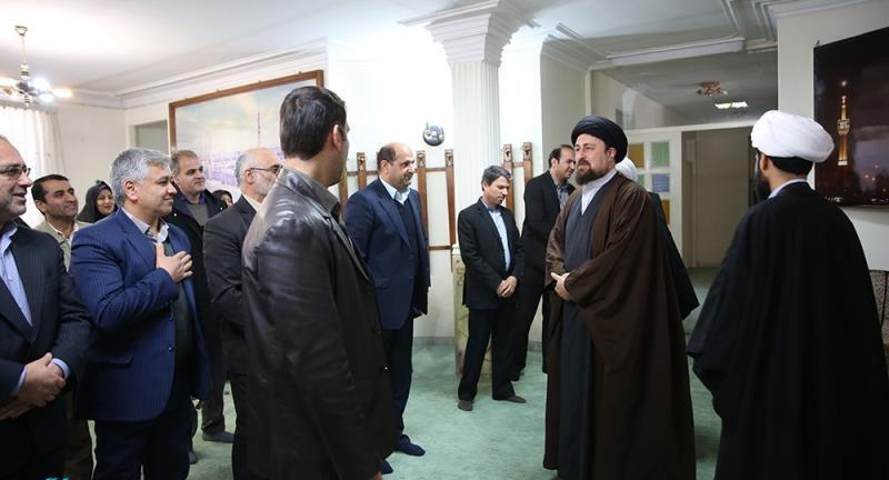 مازندارن صوبہ کے شاندار ٹیلینٹ اسکولز کے مینیجرزکی یادگار امام سید حسن خمینی سے ملاقات