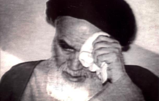 ہم امام حسین علیہ السلام کی یاد میں آنسو کیوں بہاتے  ہیں؟