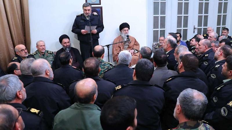 پولیس کمانڈروں اور افسروں کی رہبر انقلاب اسلامی سے ملاقات