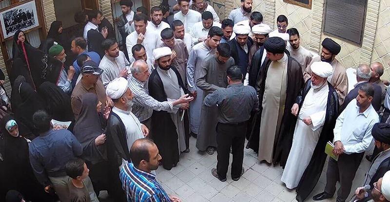 عتبات عالیات کے ایرانی اور غیر ملکی زائرین کا نجف میں امام خمینی (رح) کے گھر کا دورہ/2018