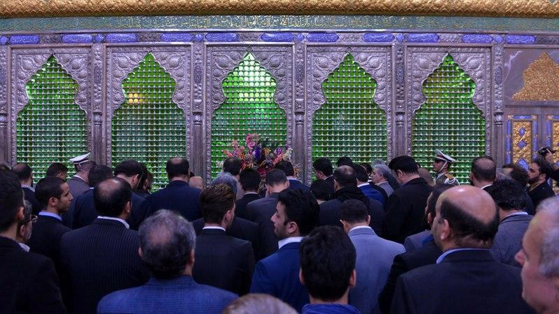حرم امام خمینی (رح) میں چیمپیونز اور آرٹسٹ کا ایک گروہ کی حاضری اور ان کی تمناؤں سے تجدید عہد /2018