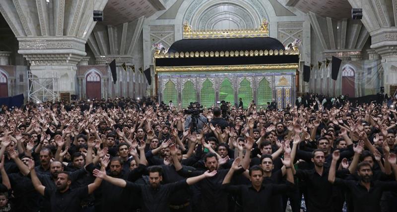 حرم امام خمینی (رح) میں عاشورای حسینی (ع) کی رات کی منعقدہ مجلس کی تصویری جھلکیاں
