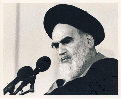 بنی امیہ کا خاندان اسلام کو ایک سلطنت اور شاہی نظام میں تبدیل کرنا چاہتا تھا:امام خمینی(رح)