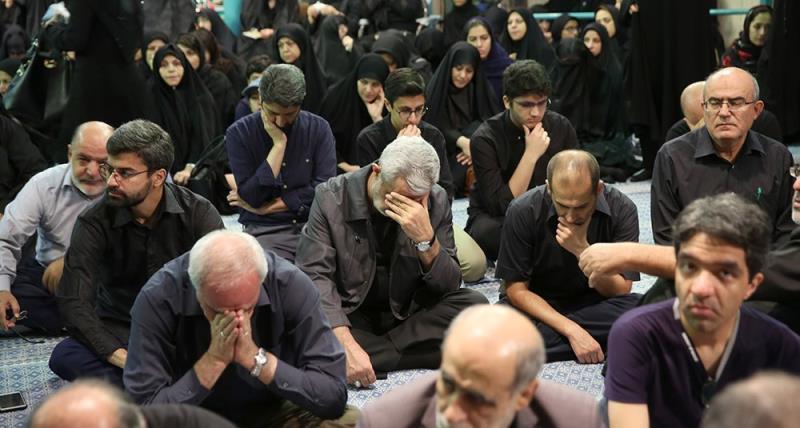 حسینیہ جماران میں صبح عاشور کی تقریب