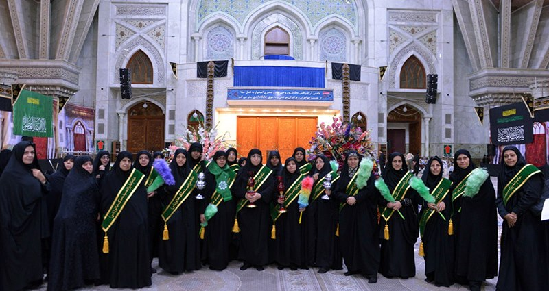 حرم امام خمینی (رح) میں دفاع مقدس میں خواتین کی شرکت کے کاموں اور اقدار کا اشاعت کی تنظیم کی حاضری اور ان کی تمناؤں سے تجدید عہد