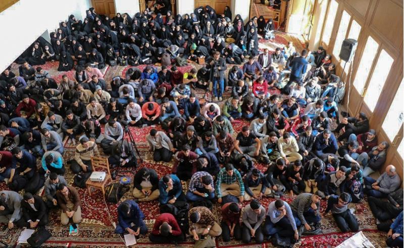 تصویر رپورٹ/طالب علموں کا بانی انقلاب اسلامی سے تجدید عہد
