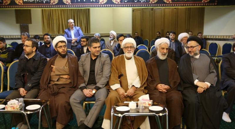 حسینیہ جماران میں آیت اللہ توسلی امام خمینی(رح) کے دفتر کے سربراہ کی دسویں سالگرہ کا انعقاد