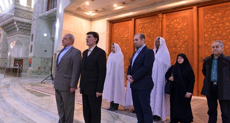کیوبا کے سفیر کی حرم امام خمینی (رح) میں حاضری اور خراج تحسین