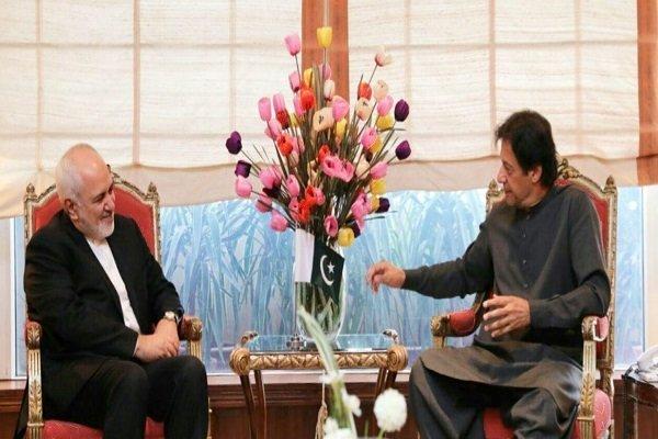 ایرانی وزیر خارجہ کی وزیر اعظم عمران خان سے ملاقات کے دوران اغوا شدہ سرحدی محافظوں کے بارے میں گفتگو