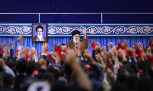 امریکہ 40 سالوں سے ایران سے شکست کھا رہا ہے