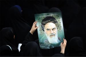 امام خمینی (رح) کی خدمات و حیات