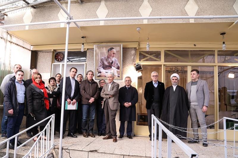 البانیہ کے سابق صدر رجب میدانی سمیت ہمراہ وفد، جماران کا دورہ /۲۰۱۸ء