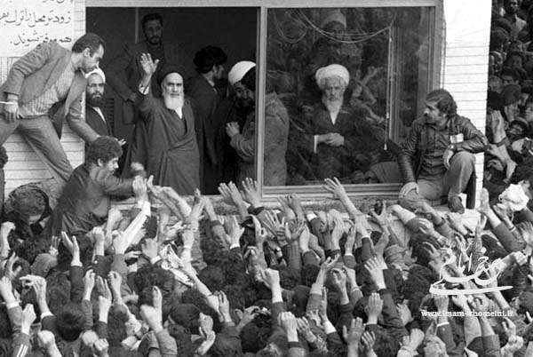 امام خمینی(رح) سے اتنی محبت کیوں