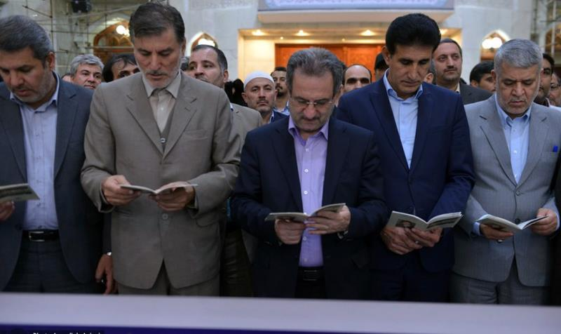 حرم امام خمینی (رح)  میں تہران صوبہ کے گورنر اور گورنر ہاوس کے کارکن کی حاضری اور ان کی تمناؤں سے تجدید عہد /2019