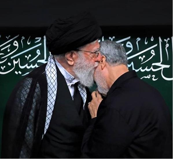 جنرل قاسم سلیمانی نے رہبر معظم انقلاب اسلامی سے تمغہ ذوالفقار دریافت کرلیا