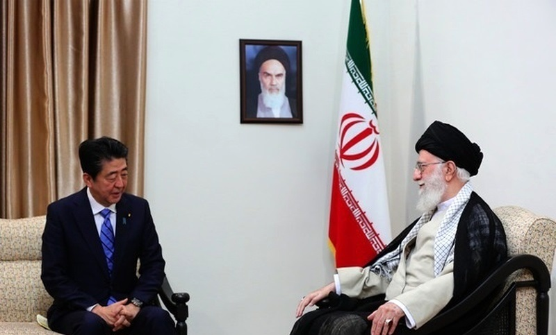 جاپانی وزیراعظم کی ایران میں آیت اللہ خامنہ ای سے ملاقات
