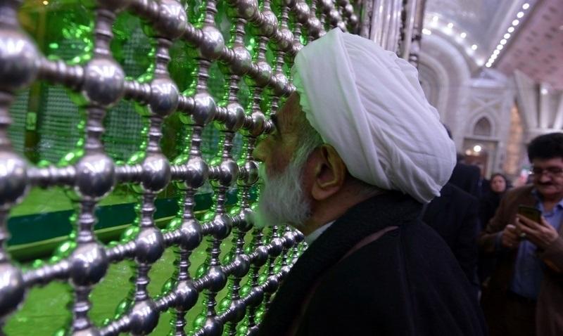عشرہ فجر کے موقع پر؛ عوام کے مختلف طبقات سے وابستہ افراد، مرقد امام خمینی (ره) میں حاضری اور تجدید عہد(3) /2019