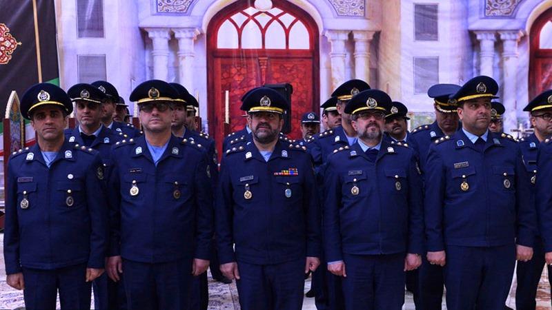 عشرہ فجر کے موقع پر؛ آرمی ایئر فورس کمانڈر کی حرم امام خمینی (رح) میں حاضری اور ان کی تمناؤں سے تجدید عہد /2019