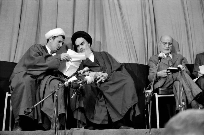 امام خمینی(رح) نے اپنی عدم موجودگی میں لوگوں کو کس طرح لڑنے کے لئے تیار کیا؟