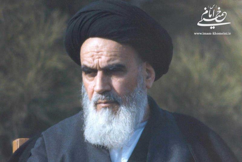 پیرس میں فوٹو گرافر کے ساتھ امام خمینی (رح) کا سلوک