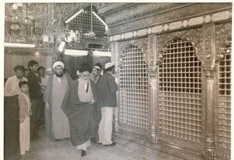 امام علی علیہ اسلام کی زیارت پر اعتراض کرنے والوں کو امام خمینی (رح) کا جواب