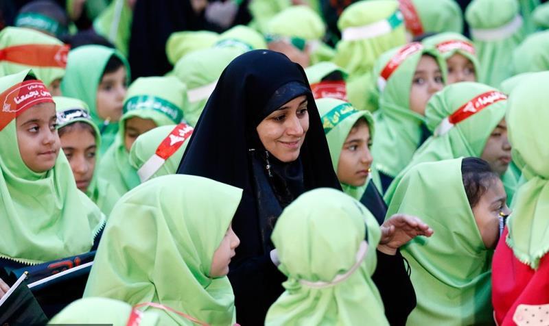حضرت سکینہ (س) کی یاد میں حرم امام خمینی (رح) میں تین سالہ بچیوں کی اجتماع/2019