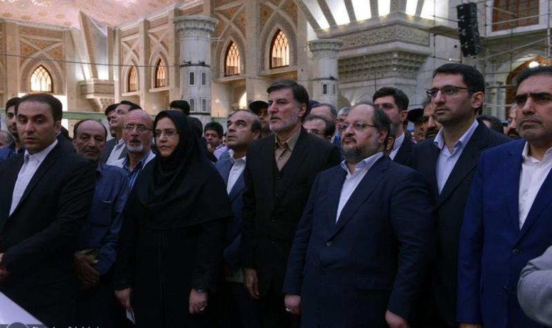 حرم امام خمینی (رح) میں معاشرتی فلاح اور تعاون وزارت کے منیجرز اور کارکنوں کی حاضری اور ان کی تمناؤں سے تجدید عہد /2019