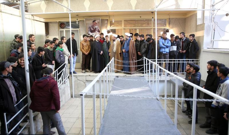 عشرہ فجر کے موقع پر؛ عوام کے مختلف طبقات سے وابستہ افراد، بیت امام خمینی (رح) میں حاضری اور تجدید عہد -11 /2019