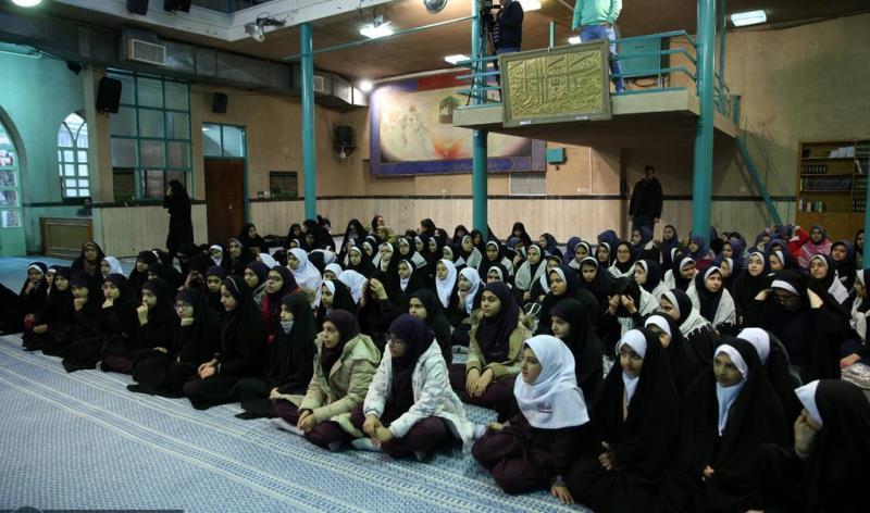 عشرہ فجر کے موقع پر؛ عوام کے مختلف طبقات سے وابستہ افراد، بیت  امام خمینی (ره) میں حاضری اور تجدید عہد(7) /2019