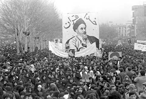 سینٹ کے دو افراد کا امام خمینی (رح) کی توہین کرنا