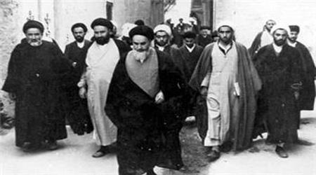 ایرانیوں سے ملاقات کے وقت امام کی حفاظت کے نکتوں کی رعایت نہ کرنا