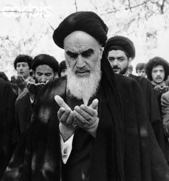 آدھی رات  اور امام خمینی (رح) کا گریہ
