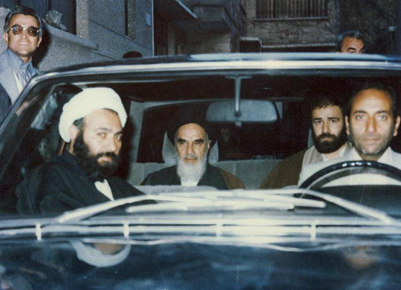 مجھے مسلمان جوانوں پر فخر ہے: امام خمینی(رح)