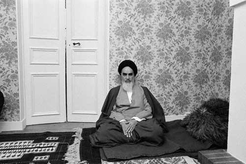 مرثیہ خوانی کے وقت امام خمینی (رح) کا بہترین عمل