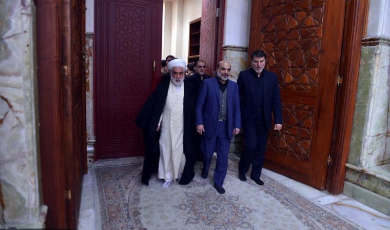 عشرہ فجر کے موقع پر؛ ایران کے قومی ریڈیو اور ٹیلیویژن کے سربراہ اور مینجرز کی حرم امام خمینی (رح) میں حاضری اور ان کی تمناؤں سے تجدید عہد /2019